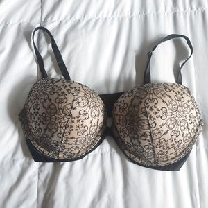Victoria's Secret Very Sexy Push Up Bra 36D